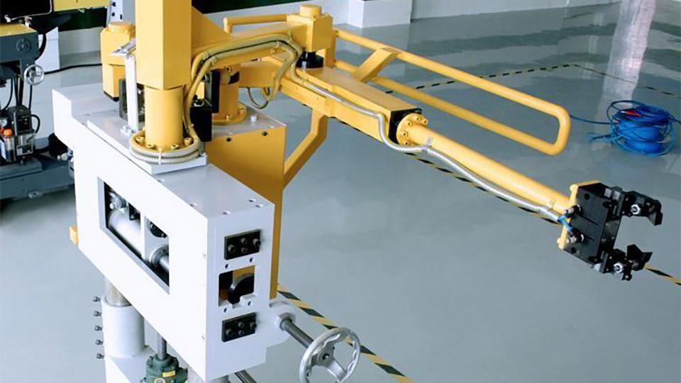 悦川压铸机械手压铸取件解决方案